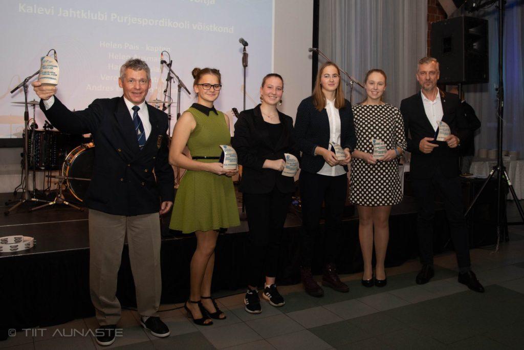 Eesti Purjetamisliiga 2019 võitja võistkond: Helen Pais, Helen Ausman, Hannah Tuulas, Veronika Kuvatova, Andres Laul/Ago Rebane