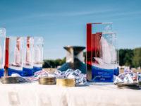 A. Le Coq 63. Muhu Väina regati lõputseremoonia - trofeed ja medalid  FOTO: Janis Spurdzins janisspurdzins.com