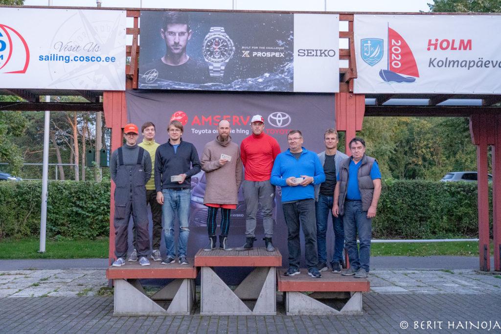 Folkboot klassi poodium - Holm-Kalevi Jahtklubi Kolmapäevaregatt 23.09.2020 FOTO: Berit Hainoja