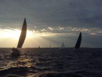 Tuuline ja teravate startidega AMSERV – Kalevi Jahtklubi Kolmapäevaregatt